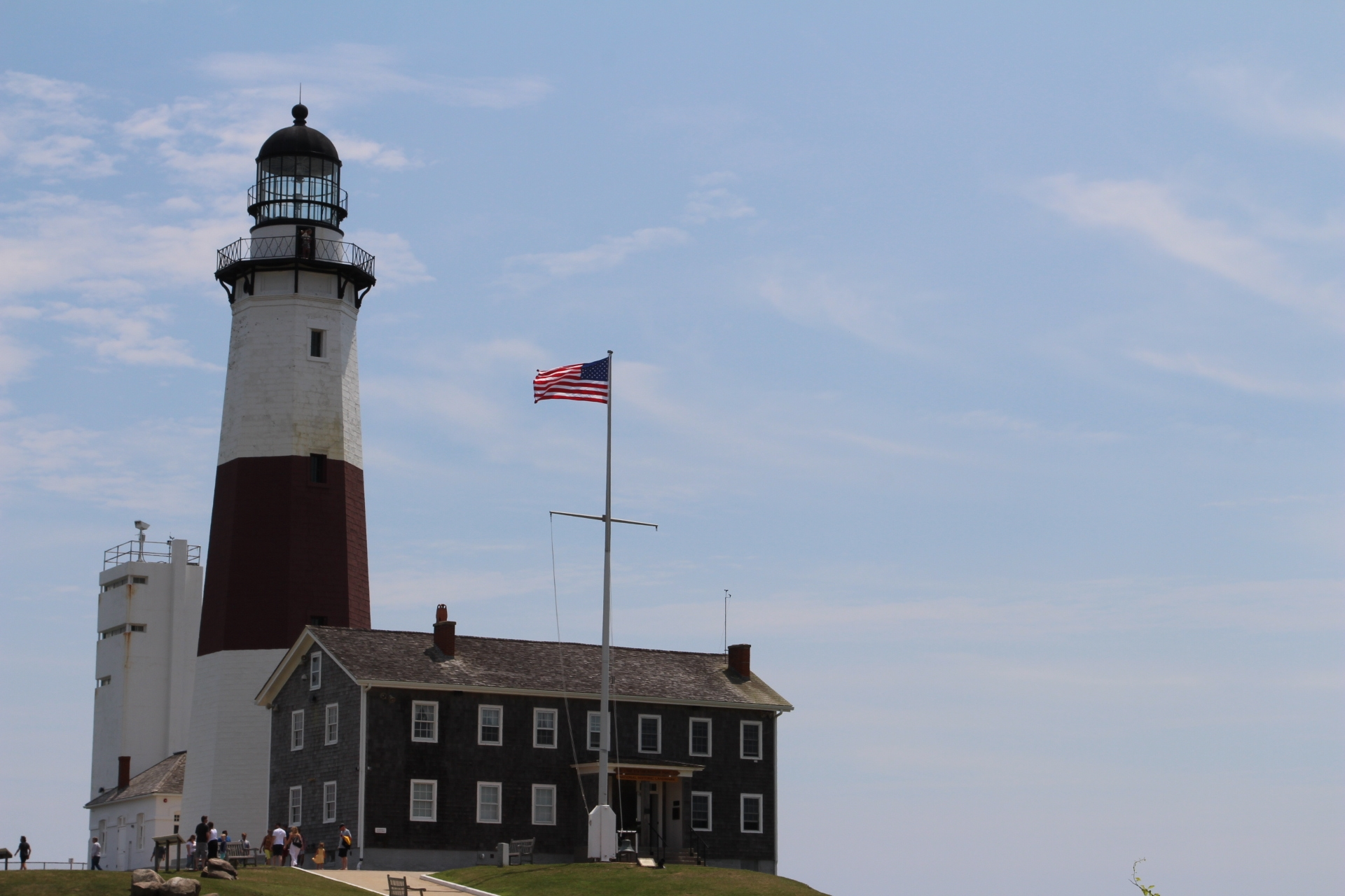 Lighthouse and center_1