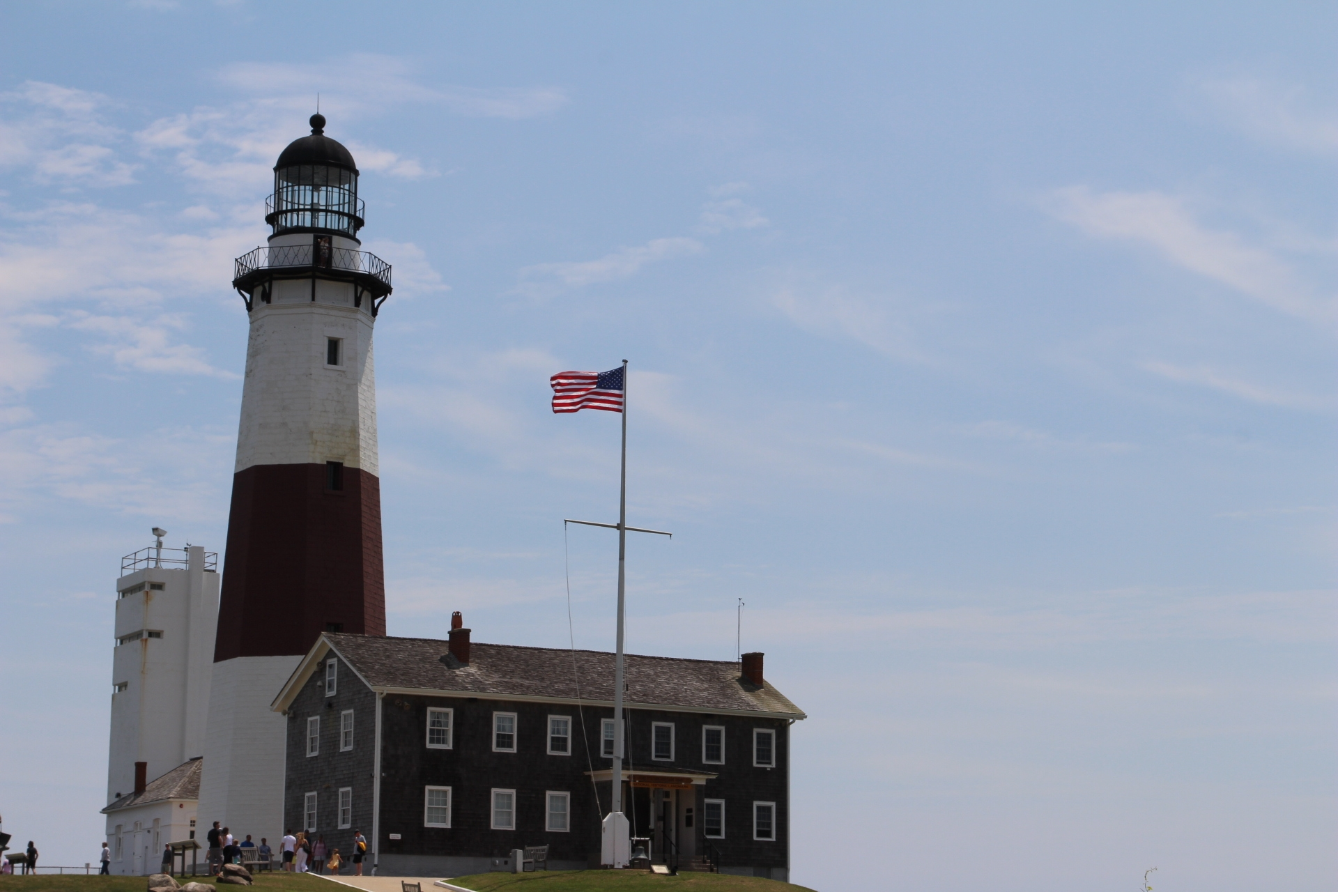 Lighthouse and center_2