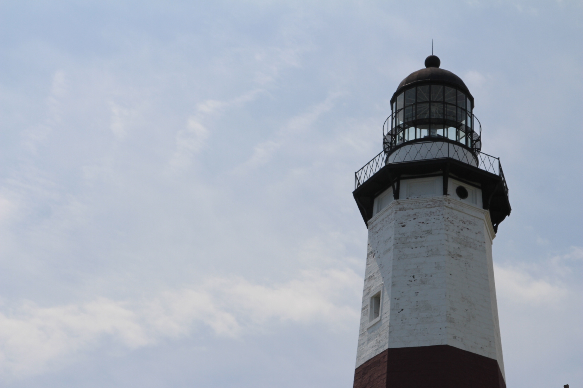 Lighthouse light_right image_4