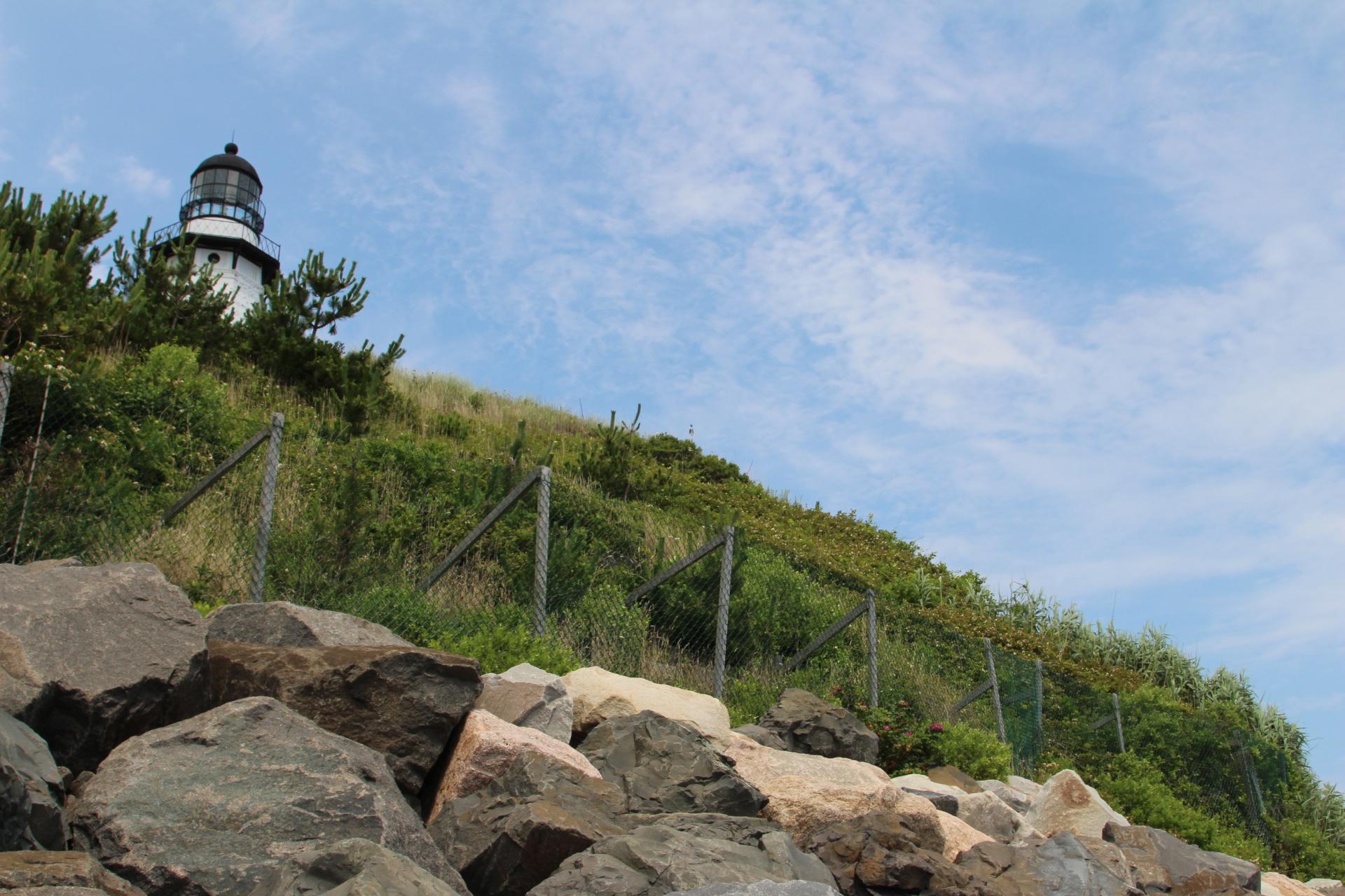 Rocks under lighthouse_4