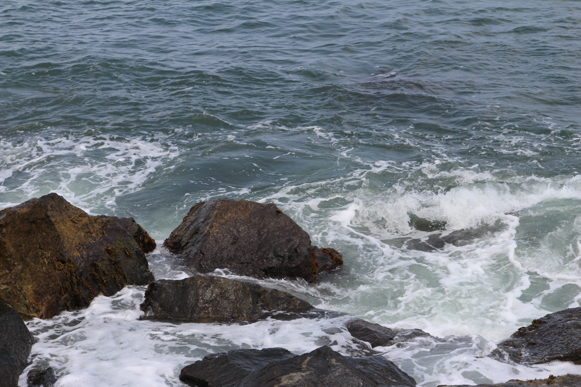 Rocks with waves _3